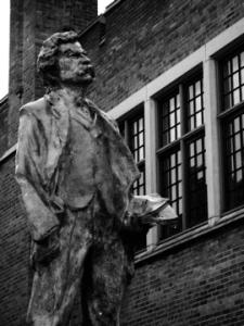 Mark Twain statue elmira